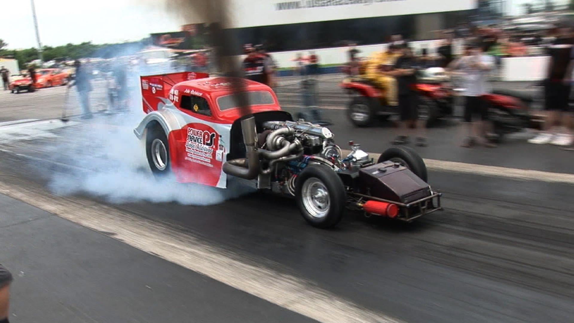 Check Out This Ridiculously Powerful Diesel Drag Car!