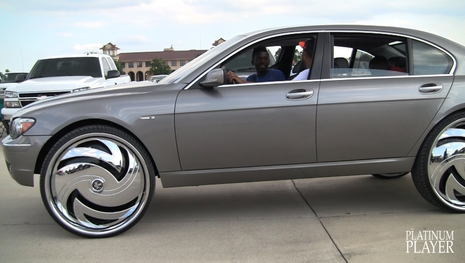 Bmw 7 Series Equipped With Massive 30 Inch Rims Insane