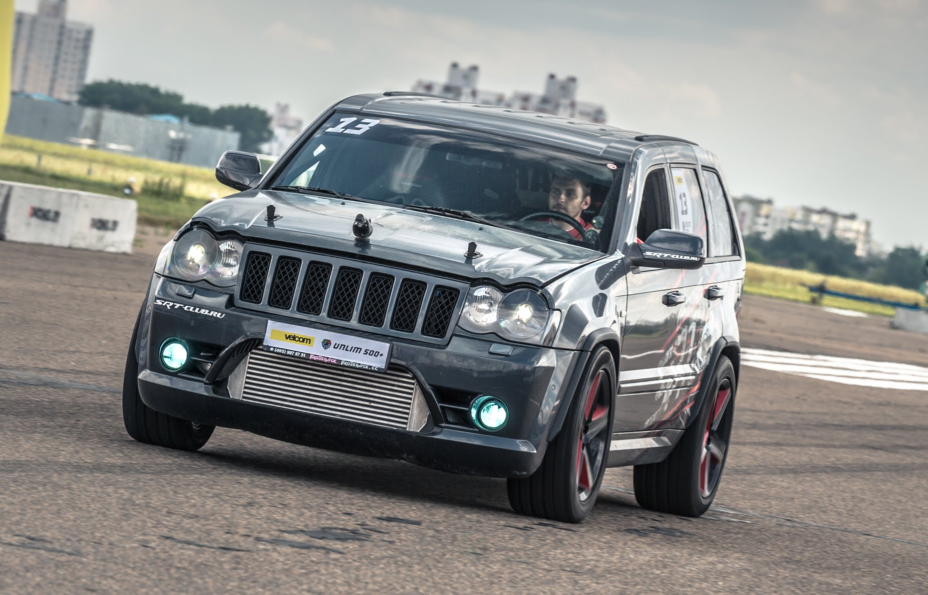 Russians Love Cherokee Check Out This 1200 Hp Jeep Grand