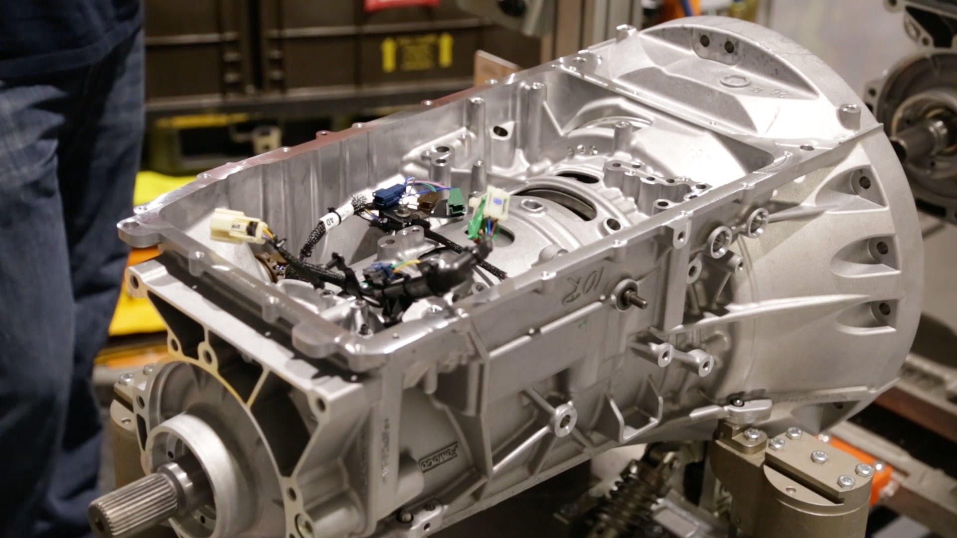 Ford F150 Transmission >> 2017 Ford F 150 Raptor 10 Speed Transmission Assembly Creates Jobs