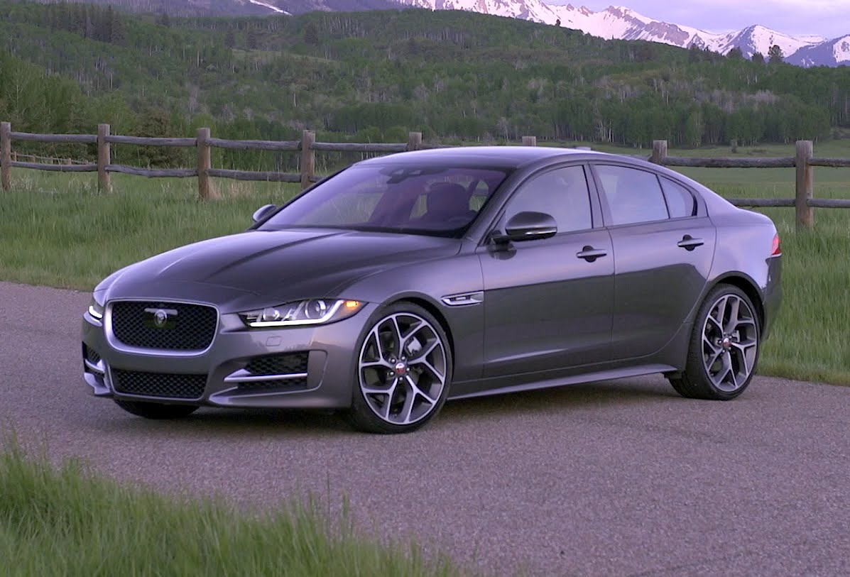 check out the first impressions of the 2017 jaguar xe 35t r sport. Black Bedroom Furniture Sets. Home Design Ideas