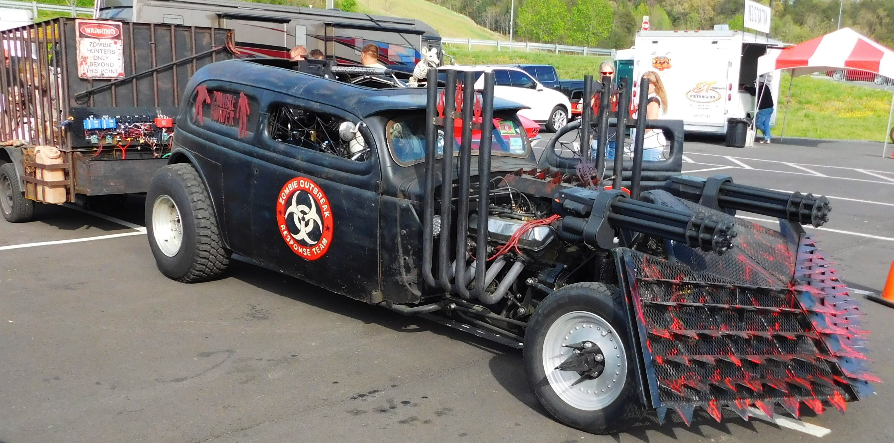 Who Is Afraid Of Zombie Apocalypse When You Vehicles Like These - Cool zombie cars
