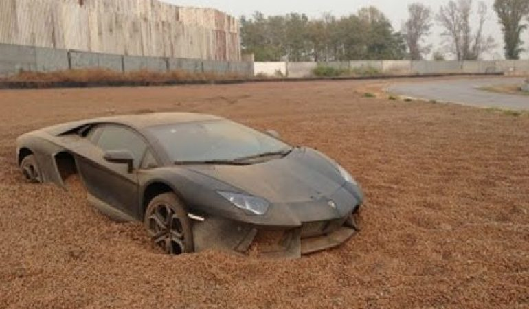 Supercars Driven By Super Idiots Make For A Super Supercar Fail